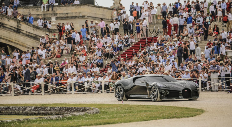 Bugatti holt sich den Pokal in Chantilly